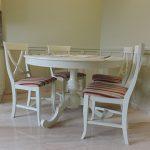 frontalia-bucatarie-clasica-alba-masa-scaune